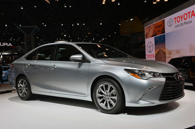 2015 toyota camry ushers in 39 sweeping redesign 39 w poll. Black Bedroom Furniture Sets. Home Design Ideas
