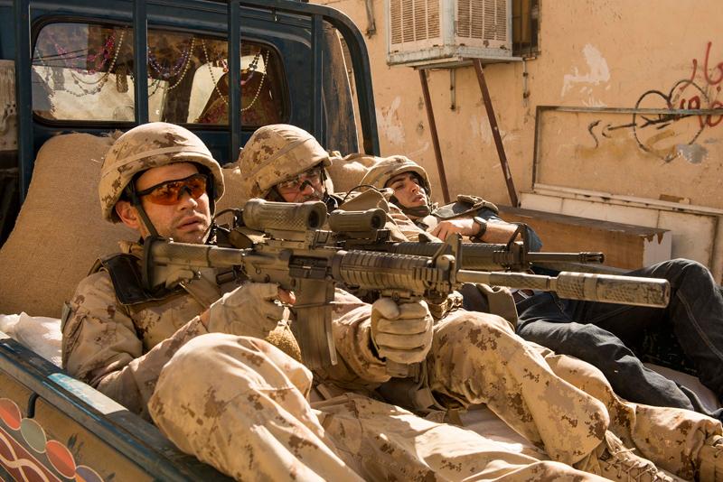 「1000の実話に基づく」リアルな戦争アクション映画『ハイエナ・ロード』10月公開【予告映像】