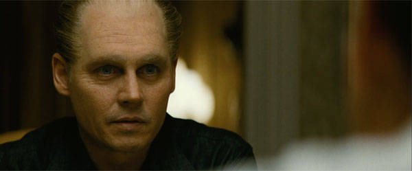 『ブラック・スキャンダル』最凶ギャング、ジョニー・デップが「おぞましいほどの名演」を見せる!【本編映像】