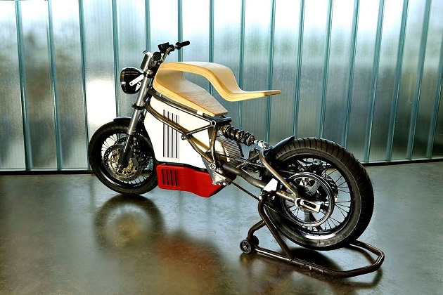 仏の新鋭デザイナーが手掛けた美しい造形の電動バイク、Expemotion「E-Raw」