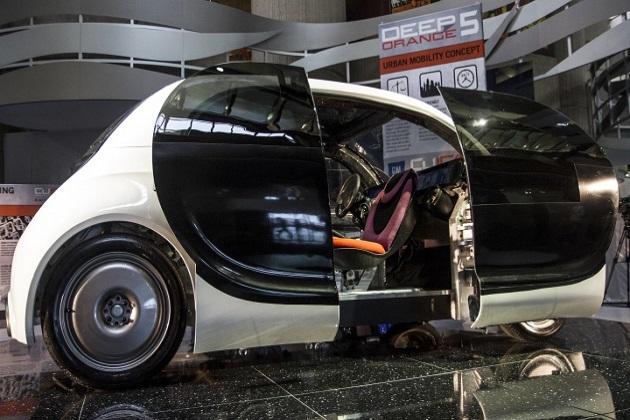 米大学生がGMと共同開発したコンセプトカー「ディープ・オレンジ5」を披露 [ビデオ付]