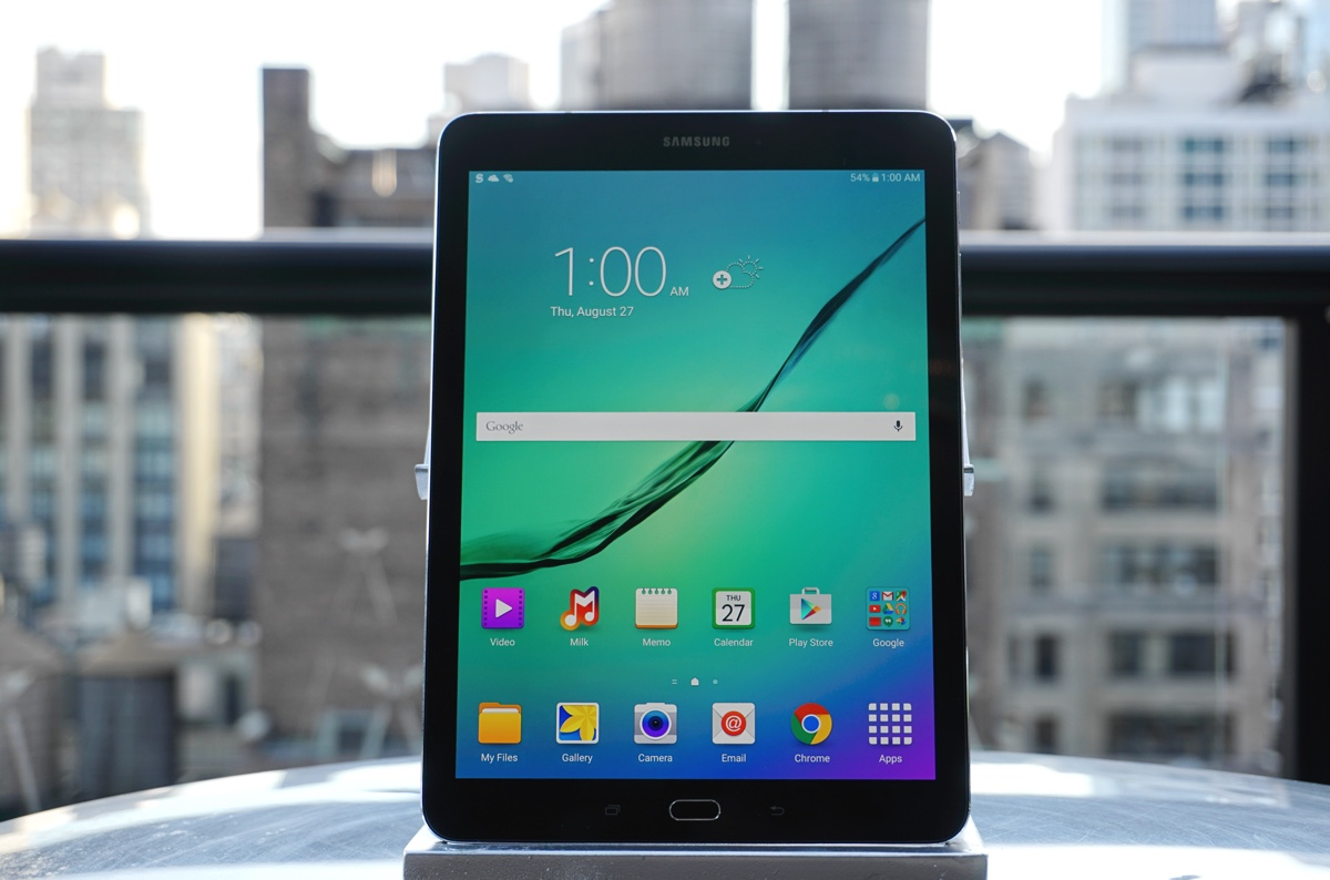 hands on with samsung 39 s shrunken down galaxy tab s2. Black Bedroom Furniture Sets. Home Design Ideas