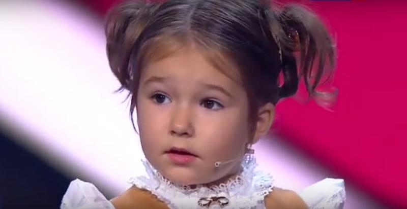 【衝撃】世界が仰天! 7言語を操る4歳児がTV番組で実力を証明!