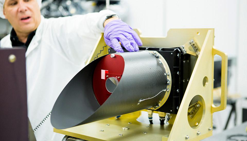 Asteroid-bound spacecraft gets its first scientific instrument