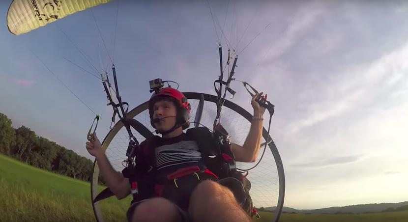 Fly-in: Burger kaufen mit Paramotor