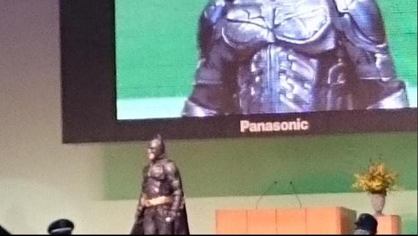 バットマンが千葉の成人式にライジングしてネット上が話題www 「ふなっしーより羨ましい」