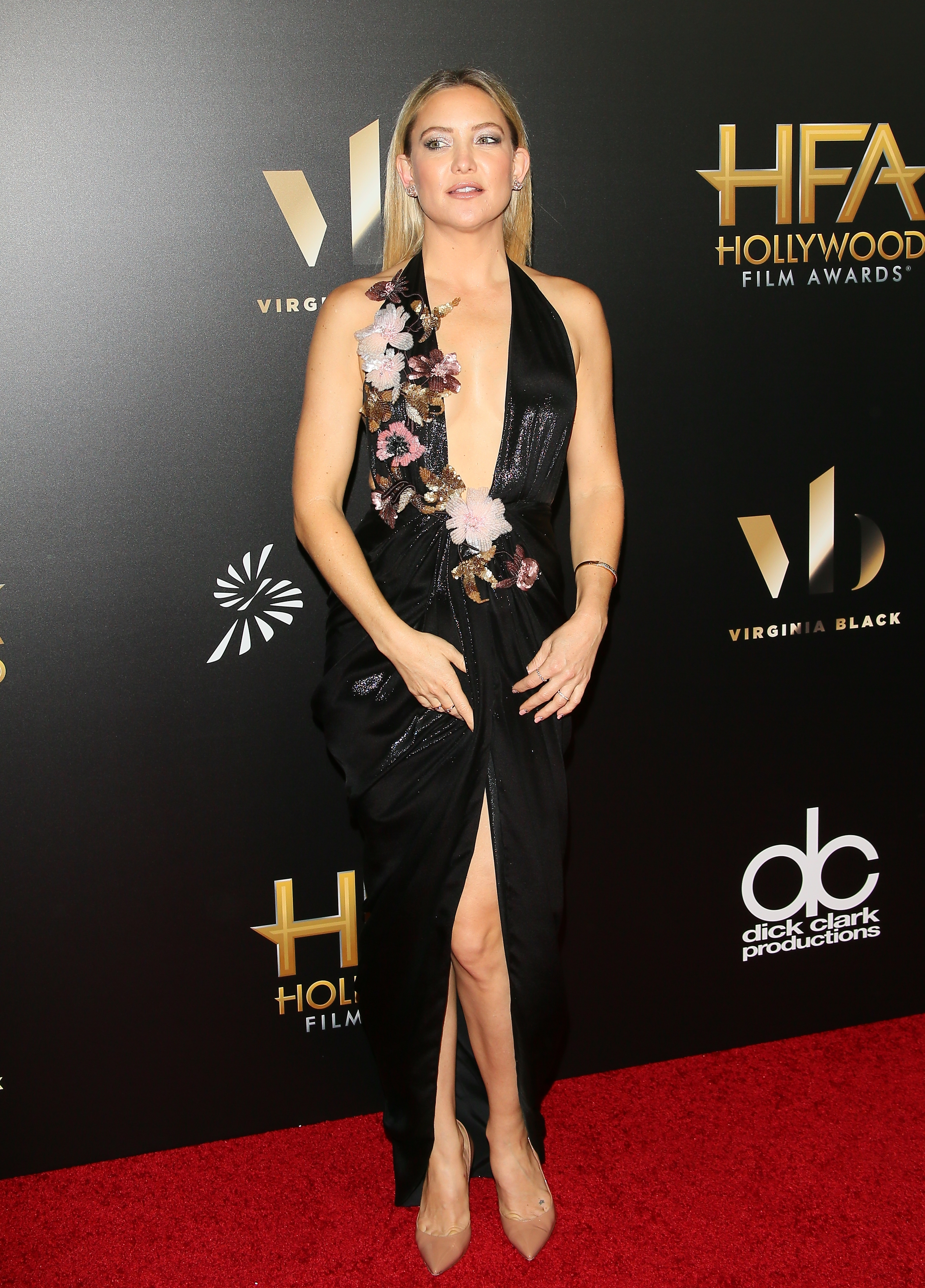 Kate Hudson göttlich und provokativ in sexy Kleid