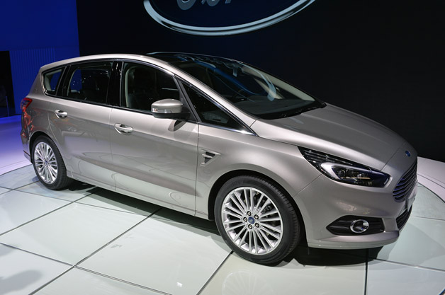 2015 ford s max adds all wheel drive adaptive steering. Black Bedroom Furniture Sets. Home Design Ideas