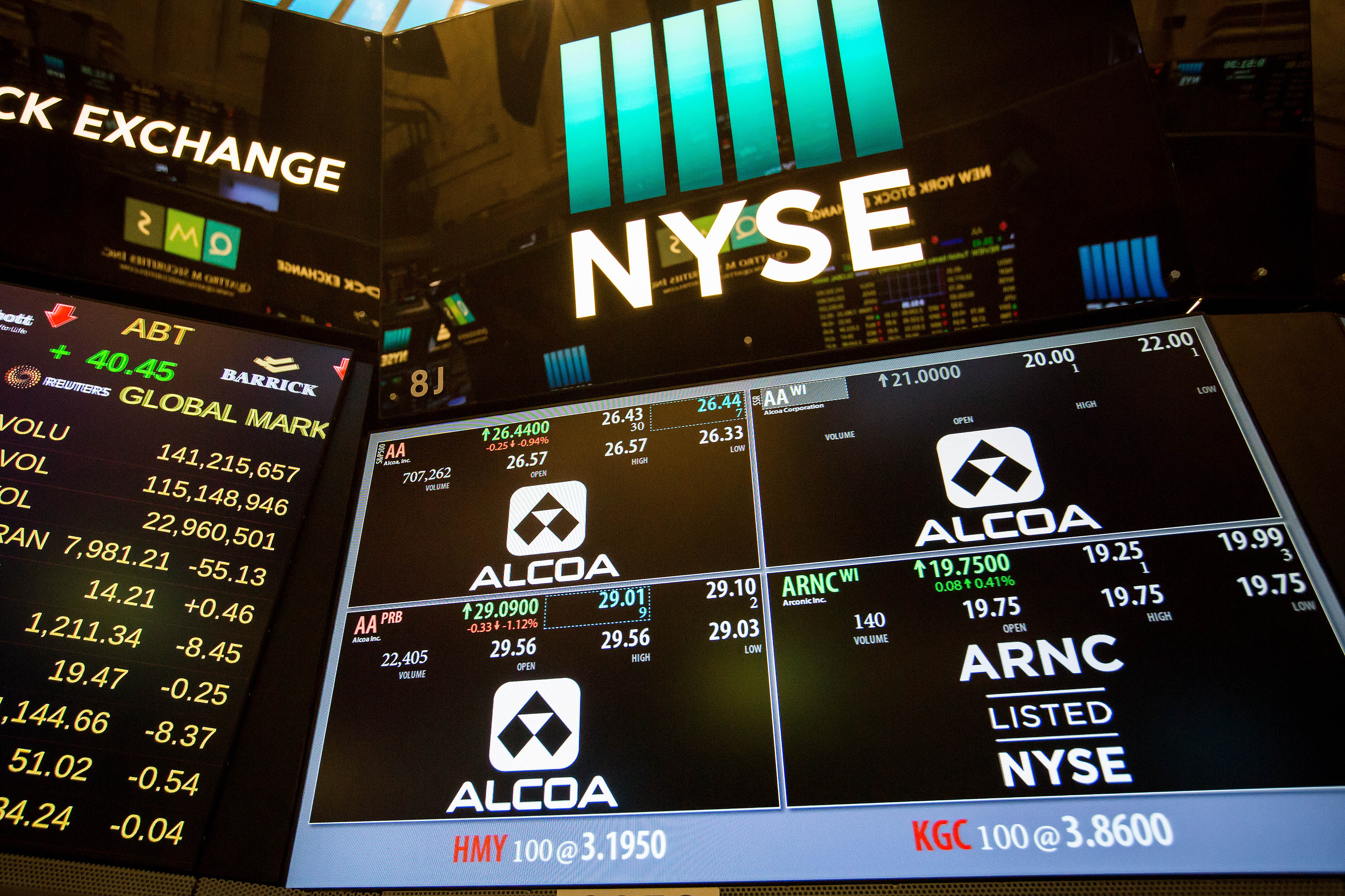 Trading On The Floor Of The NYSE As U.S. Stocks Trim Slide While Consumer Shares Rise On Deal Activity