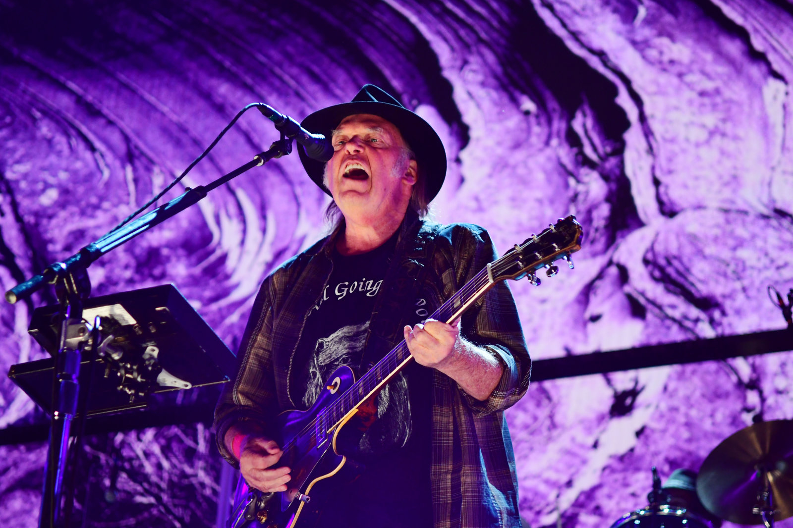 PITTSBURGH, PA - SEPTEMBER 16: Neil Young performs during  2017 Farm Aid on September 16, 2017 in Burgettstown, Pennsylvania. (Photo by Matt Kincaid/Getty Images)