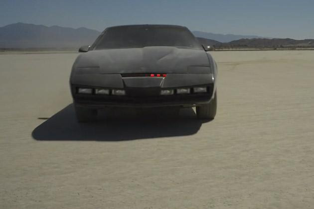 【ビデオ】米ドラマ『ナイトライダー』の主役が「ナイト2000」のレプリカを運転
