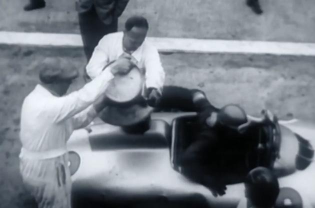 【ビデオ】燃料補給に使っていたのはビール樽!? ピットストップの歴史を振り返る映像