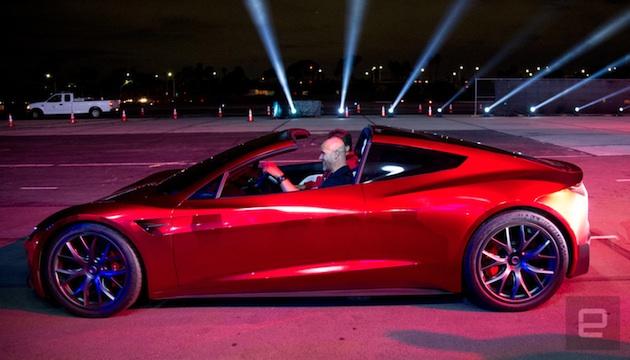 テスラの新型「ロードスター」、さらに速い特別仕様も用意か。イーロン・マスク「ロケット技術が車に革新もたらす」