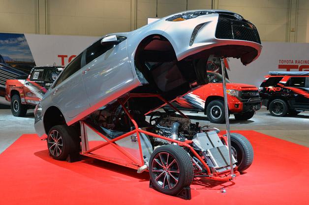 【SEMAショー2014】トヨタが披露した850hpの「スリーパー・カムリ」