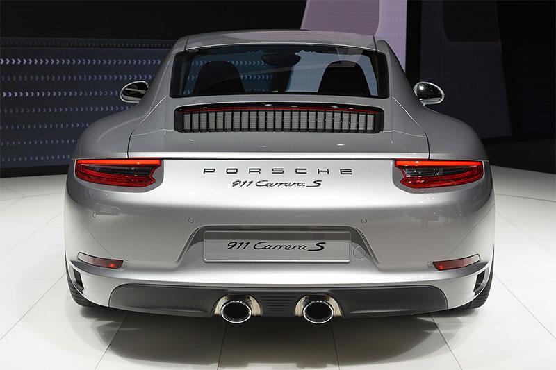 The rear of the 2016 Porsche 911.