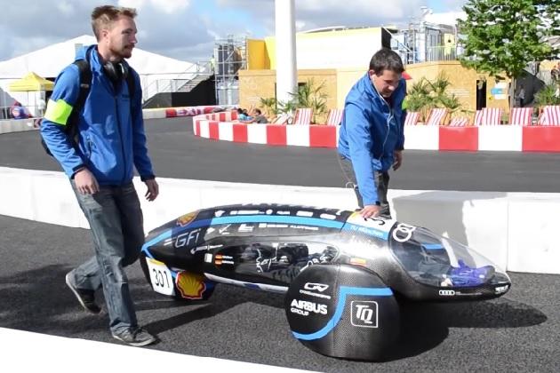 【ビデオ】ドイツの大学院生チームが製作した電気自動車が、約1万1,000km/L相当の電力消費率でギネス世界記録を達成