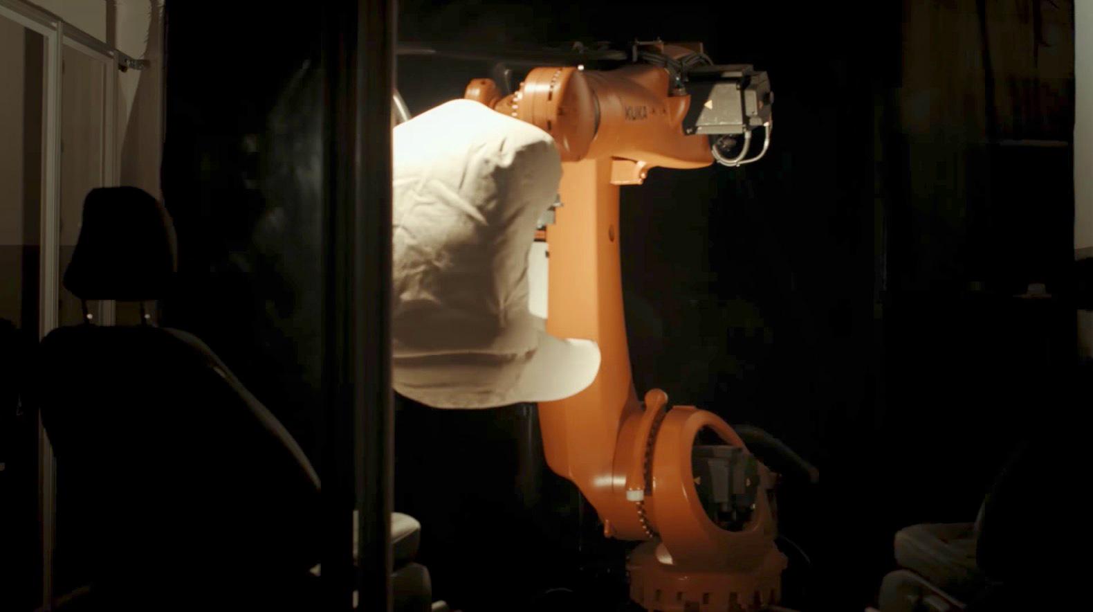 Robutt: Roboter-Hintern testet Autositze