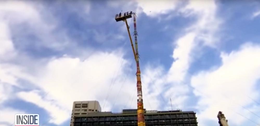 Größter Lego-Turm ragt jetzt wirklich 36 Meter in den Himmel
