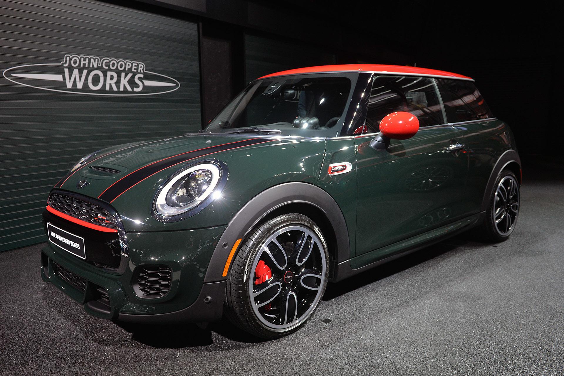 【北米国際自動車ショー2015】最高出力は231馬力! ミニ史上最もパワフルな新型「JCW」が公開