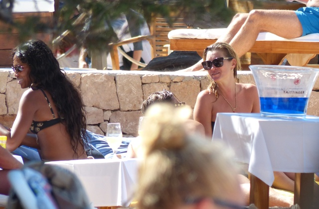 Kate Moss and Naomi Campbell holiday in Ibiza together