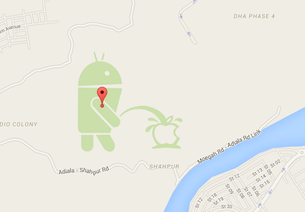 An Android is urinating on the Apple logo in Google Maps