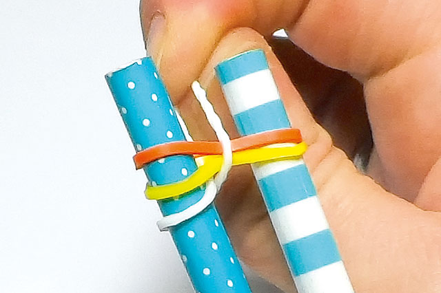 Loom band designs: Easy rainbow bracelet
