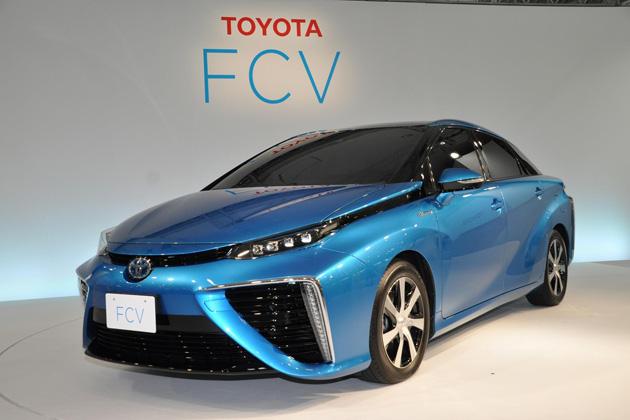 トヨタ、2014年度内に燃料電池自動車を700万円程度で販売開始すると発表!