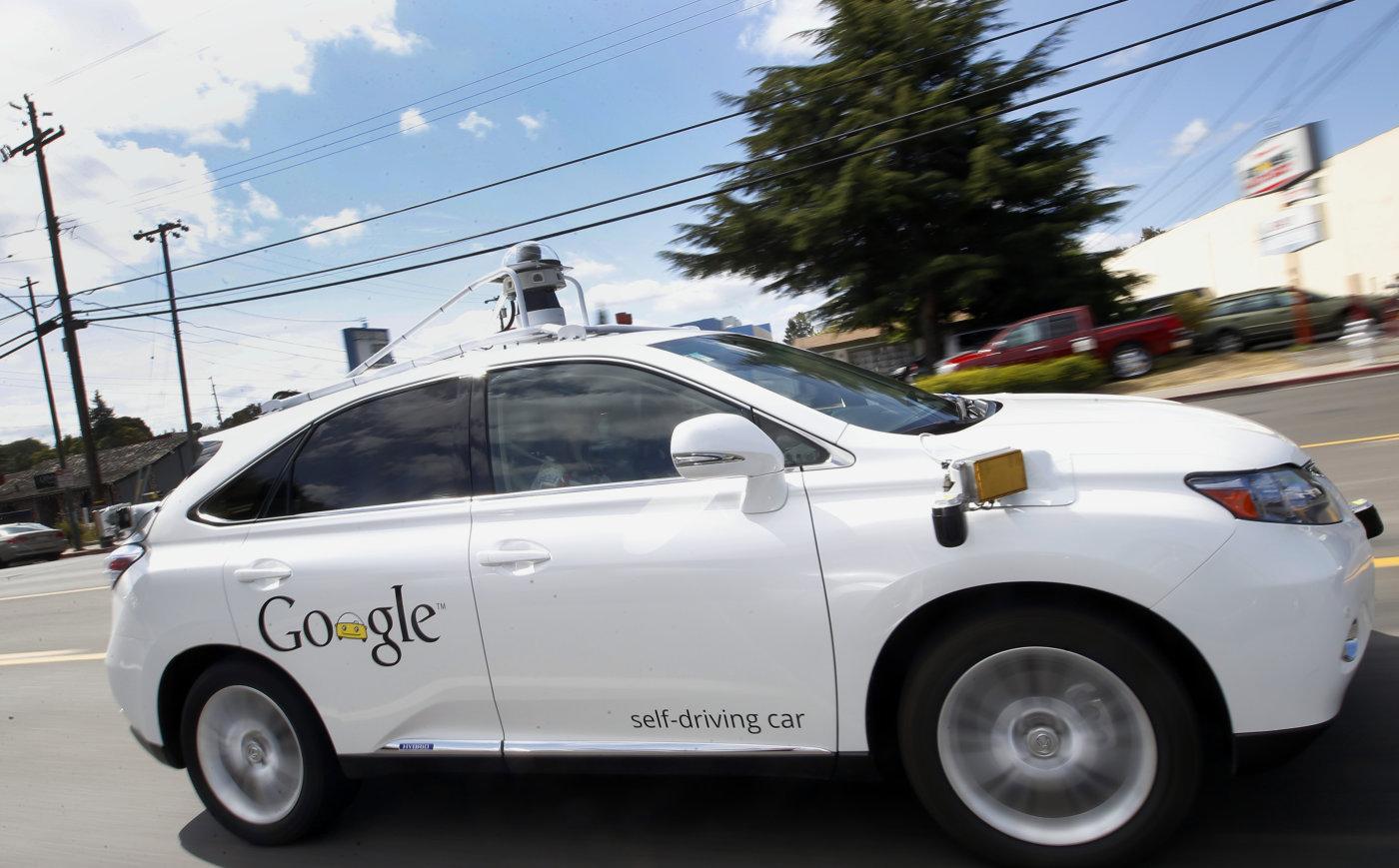El coche autónomo de Google se choca con un autobús