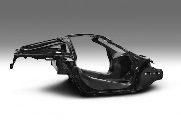 マクラーレン、次世代型「スーパー・シリーズ」用に新開発されたカーボンファイバー製シャシーを公開