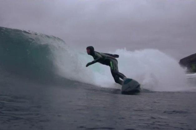 【ビデオ】ジープでイギリスのサーフィンスポットを探す!