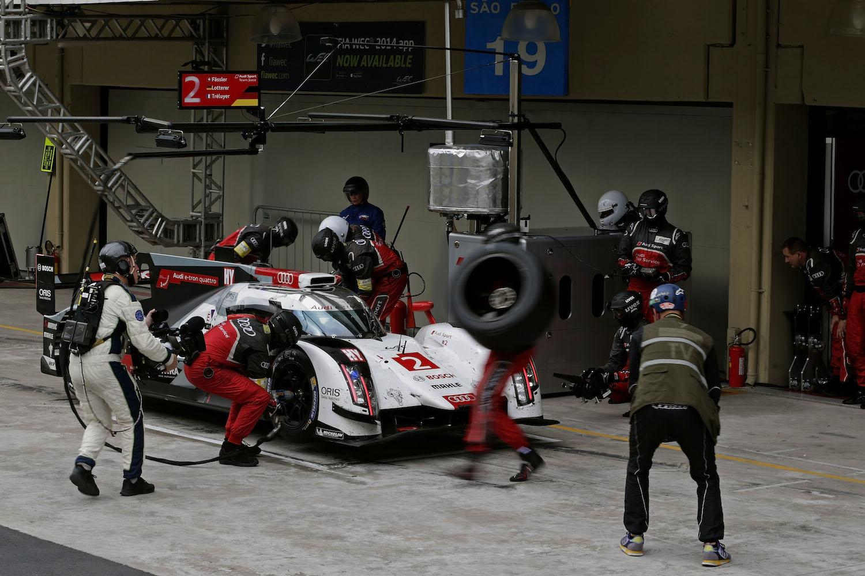 Audi R18 e-tron quattro #2 (Audi Sport Team Joest), Marcel Fässler, André Lotterer, Benoît Tréluyer