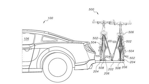 フォード、「マスタング」の後部に格納可能なサイクルキャリアの特許を出願