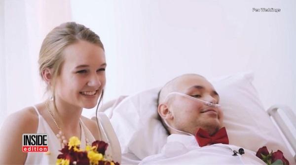 集中治療室で結婚式を挙げた18歳同士のカップルに世界中が感動
