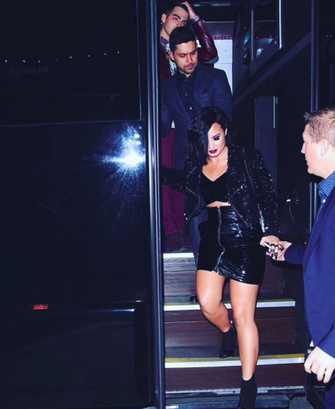 demi lovato joe jonas amas party bus