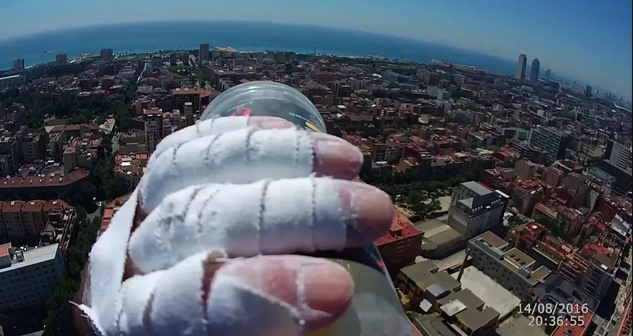 POV-Schwindel: Spider-Man-Adept erklettert 117 Meter hohe Fassade