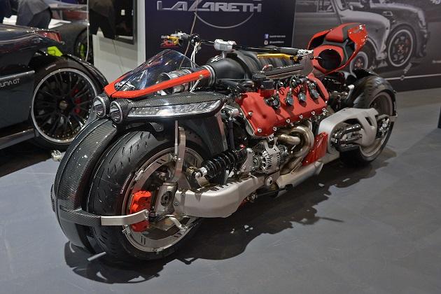 【ジュネーブ・モーターショー】マセラティのV8エンジンを搭載する4輪バイク、ラザレス「LM847」