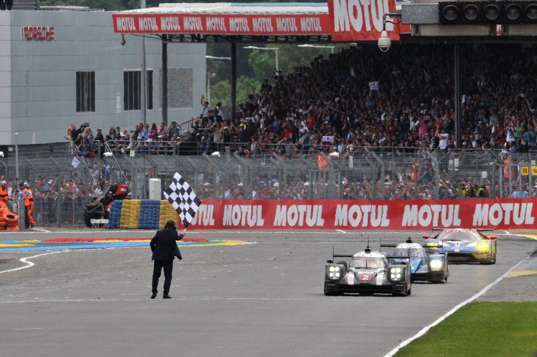 【速報】2016年ル・マン24時間レース、残り3分でトヨタが初優勝を逃す!