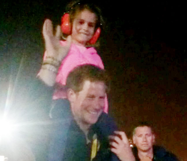 Prince Harry makes little girl very happy by dancing with her at Invictus Games closing ceremony
