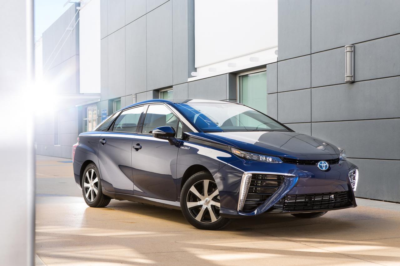Premiere für Toyota brennstoffzellen auto mirai