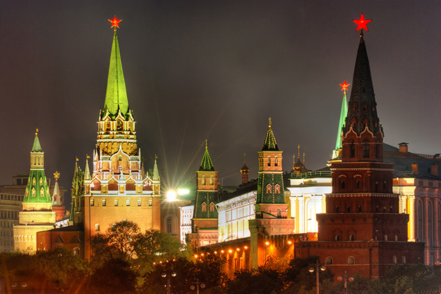 moscow kremlin at victory day ...