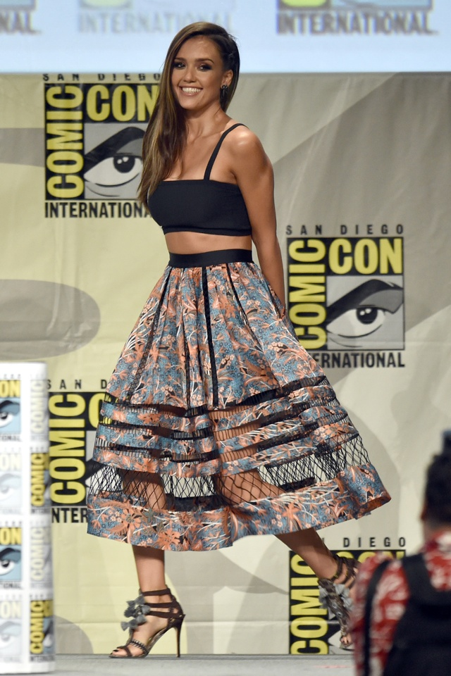 Jessica Alba wows in crop top at Comic-Con International 2014