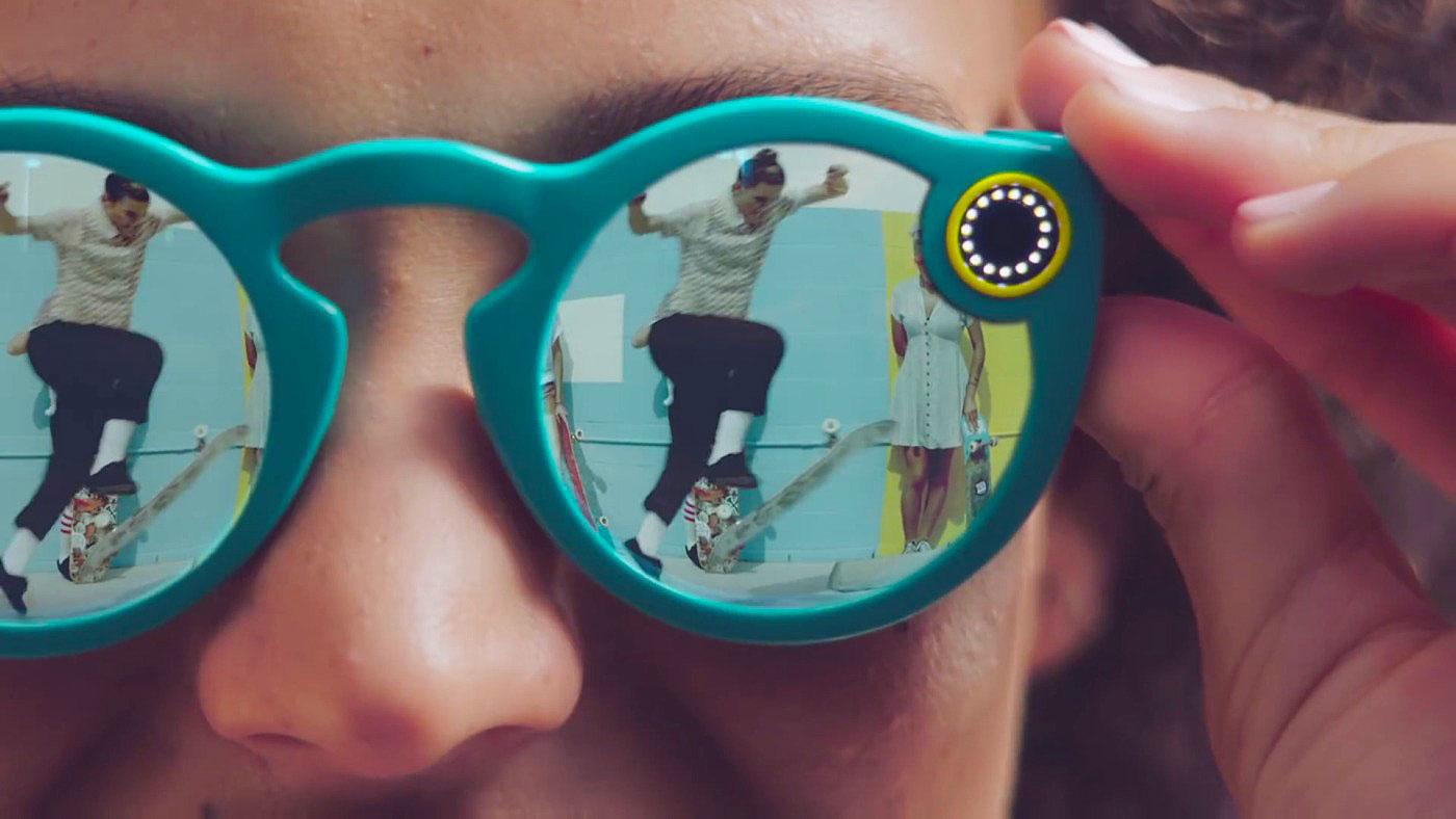 """El CEO de Snapchat se viene arriba: """"se han vendido más Spectacles que iPods en su primer año"""""""