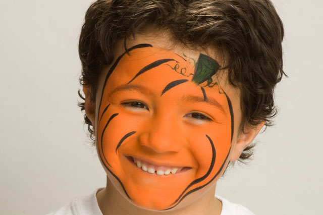 Halloween face painting tutorial: Pumpkin