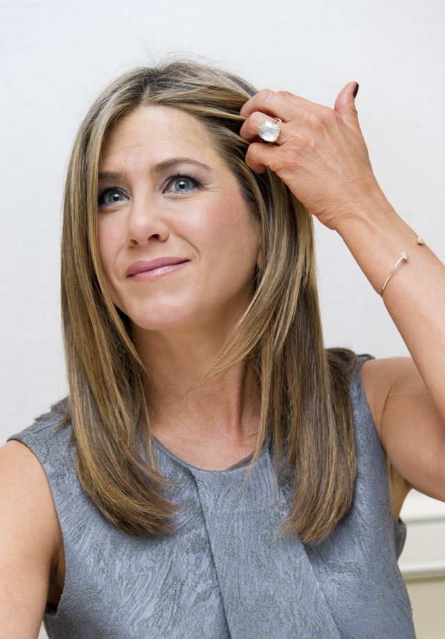 Jennifer Aniston proves her pins are perfect in minidress at Horrible Bosses 2 LA premiere
