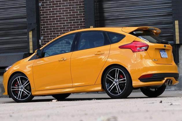 フォード・パフォーマンス、「フォーカスST」向けに275hp&40.8kgmのアップグレードキットを発表!