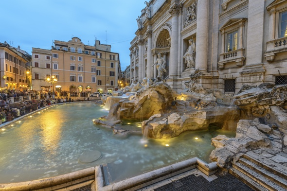 Rome tourists call police over £33 ice cream at Trevi Fountain cafe