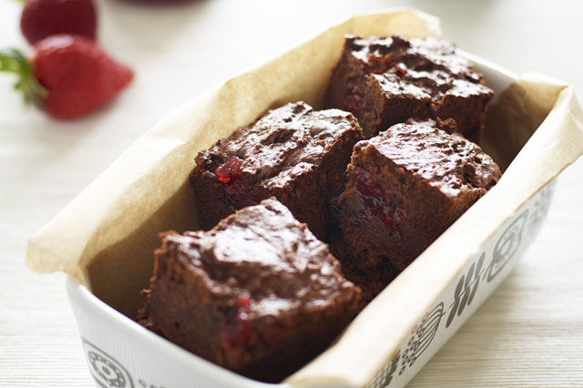 Strawberry and chocolate brownies recipe