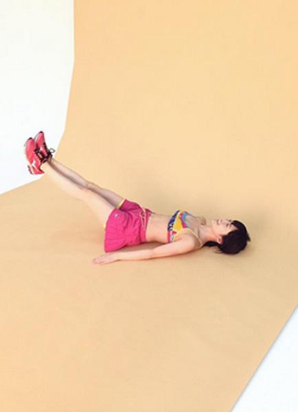 NMB48山本彩のエロセクシーすぎる腹筋がネット上で話題に 「キレイな体!」
