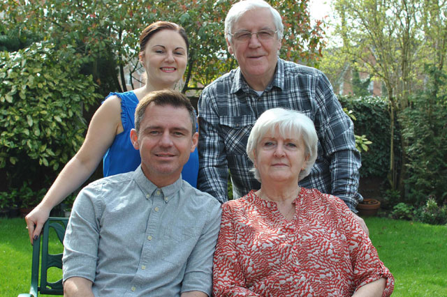 Dad receives three kidneys from three members of his own family
