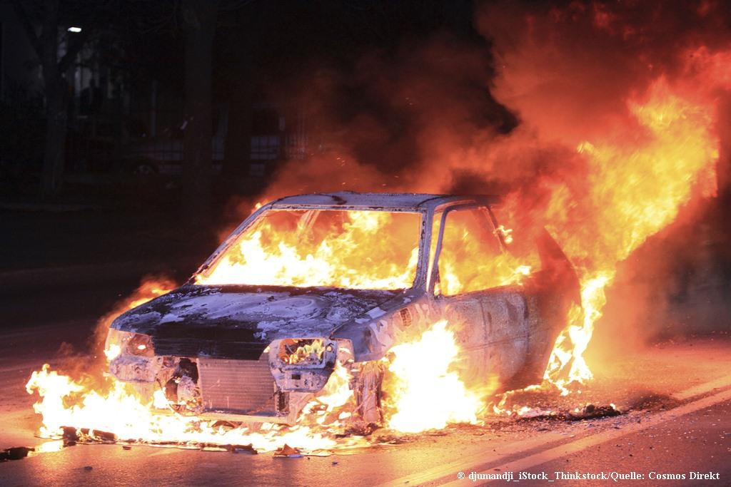 1. Mai demo schäden am Auto
